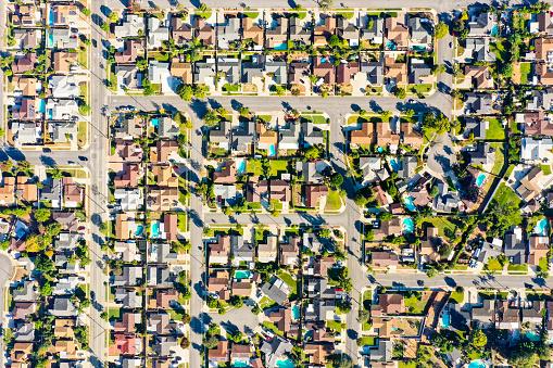 Development「Aerial of Houses in California Suburbs」:スマホ壁紙(13)