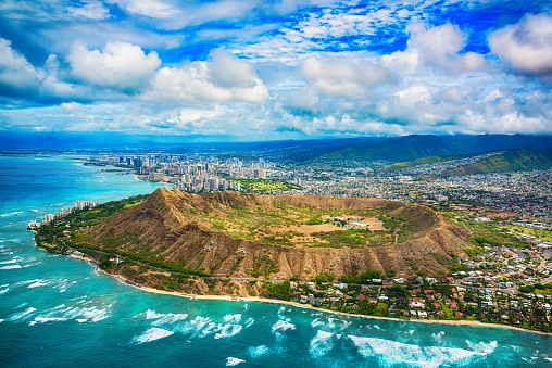 Volcanic Crater「Aerial of Honolulu Hawaii Beyond Diamond Head」:スマホ壁紙(13)