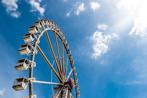 Ferris Wheel「Big wheel under blue sky」:スマホ壁紙(11)