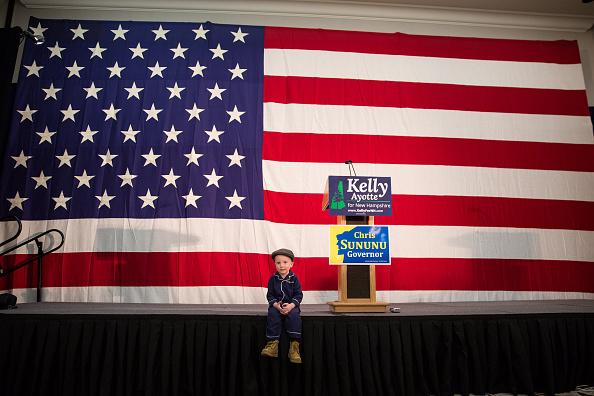 November「GOP New Hampshire Senate Candidate Kelly Ayotte Holds Election Night Event」:写真・画像(7)[壁紙.com]