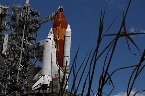Space Shuttle Endeavor「NASA Prepares For Space Shuttle Endeavour's Launch」:写真・画像(17)[壁紙.com]