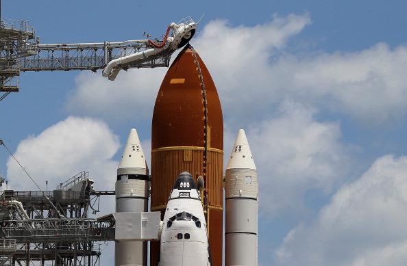Space Shuttle Endeavor「NASA Prepares For Space Shuttle Endeavour's Launch」:写真・画像(12)[壁紙.com]