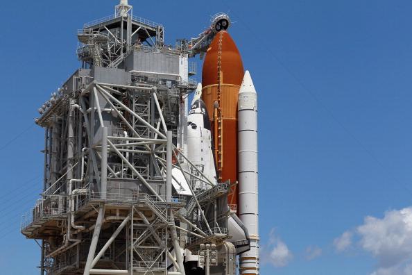 Space Shuttle Endeavor「NASA Prepares For Space Shuttle Endeavour's Launch」:写真・画像(7)[壁紙.com]
