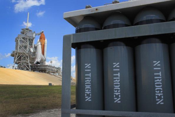 Space Shuttle Endeavor「NASA Prepares For Space Shuttle Endeavour's Launch」:写真・画像(9)[壁紙.com]