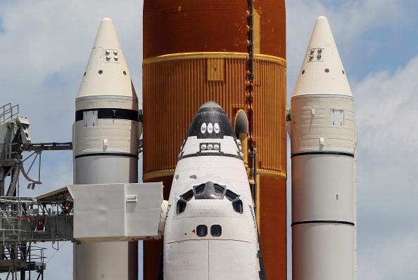 Space Shuttle Endeavor「NASA Prepares For Space Shuttle Endeavour's Launch」:写真・画像(15)[壁紙.com]