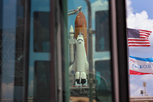 Space Shuttle Endeavor「NASA Prepares For Space Shuttle Endeavour's Launch」:写真・画像(10)[壁紙.com]