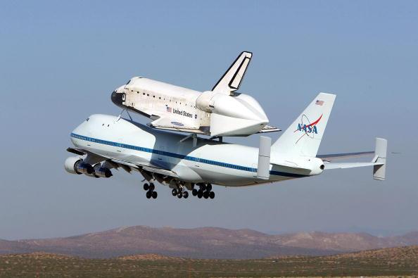 Ferry「Space Shuttle Discovery Returns From California To Florida」:写真・画像(10)[壁紙.com]