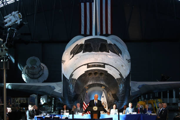 Space Shuttle「VP Mike Pence convenes First-Ever Meeting Of National Space Council」:写真・画像(17)[壁紙.com]