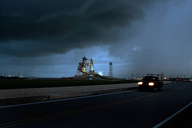 NASA Prepares For Launch Of Space Shuttle Discovery:ニュース(壁紙.com)
