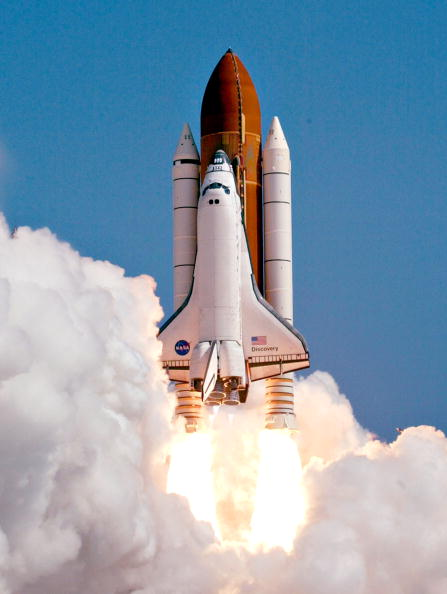Space Shuttle Discovery「NASA Returns To Flight With Launch of Space Shuttle Discovery」:写真・画像(1)[壁紙.com]