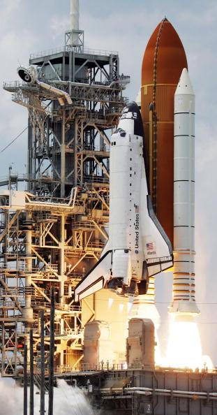 Hubble Space Telescope「Space Shuttle Atlantis Blasts Off To Repair Hubble Space Telescope」:写真・画像(16)[壁紙.com]