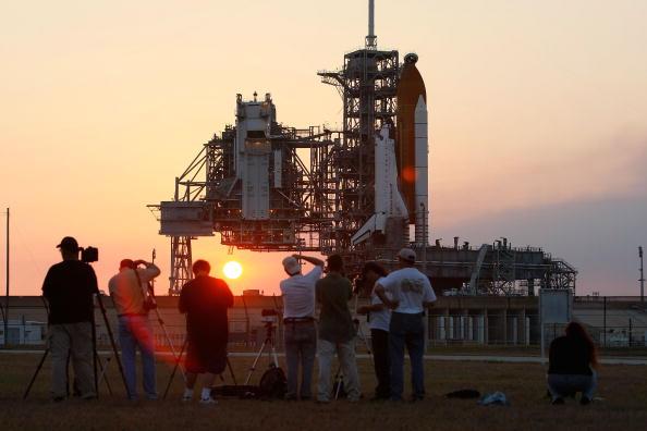 Hubble Space Telescope「NASA Prepares For Launch of Space Shuttle Atlantis」:写真・画像(7)[壁紙.com]