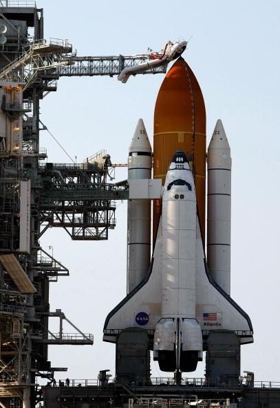 Hubble Space Telescope「NASA Prepares For Launch of Space Shuttle Atlantis」:写真・画像(10)[壁紙.com]