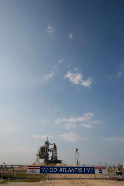 Hubble Space Telescope「NASA Prepares For Launch of Space Shuttle Atlantis」:写真・画像(16)[壁紙.com]