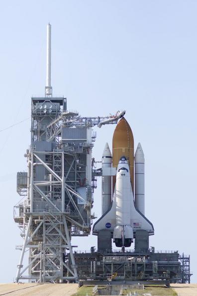 Hubble Space Telescope「NASA Prepares For Launch of Space Shuttle Atlantis」:写真・画像(4)[壁紙.com]