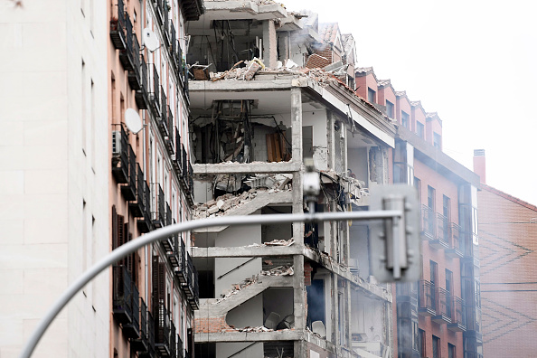 Madrid「At Least Two Dead After Explosion Damages A Building In The Centre Of Madrid」:写真・画像(12)[壁紙.com]