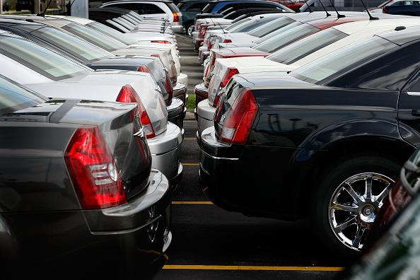 Car Dealership「Chrysler Will Cut Jobs And Vehicle Models」:写真・画像(16)[壁紙.com]