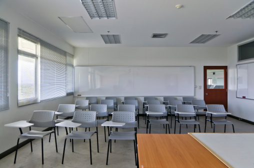 Chair「Empty classroom with chairs and white board」:スマホ壁紙(11)