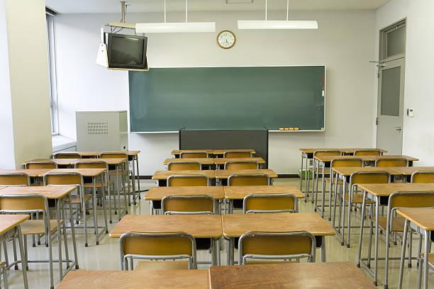 Empty classroom:スマホ壁紙(壁紙.com)