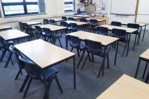 Elementary School Building「Empty classroom」:スマホ壁紙(18)