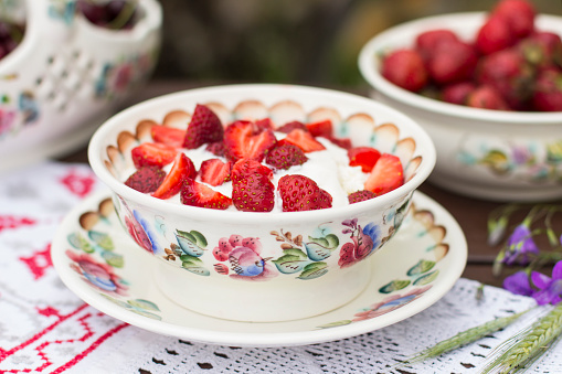 Sour Cream「Strawberries with cream」:スマホ壁紙(13)