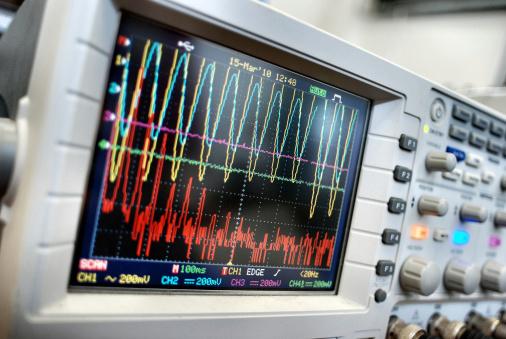 Aura「Monitoring vibration on oscilloscope」:スマホ壁紙(13)