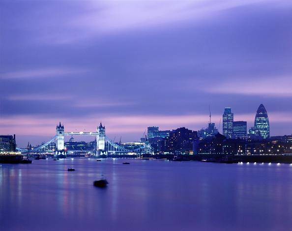 Copy Space「Tower Bridge, c1990-2010」:写真・画像(6)[壁紙.com]