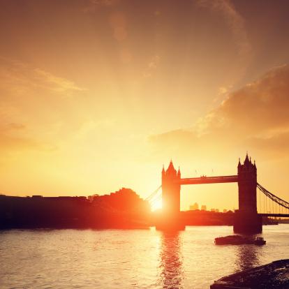 London Bridge - England「Tower Bridge & Thames river at dawn」:スマホ壁紙(7)