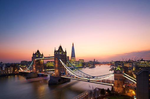 London Bridge - England「Tower Bridge and London Skyline at sunset.」:スマホ壁紙(7)