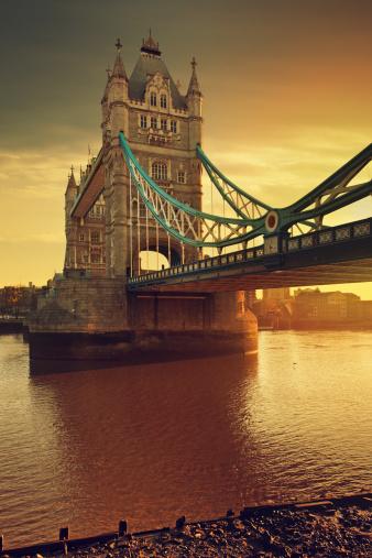 London Bridge - England「Tower Bridge and Thames river at dawn」:スマホ壁紙(1)