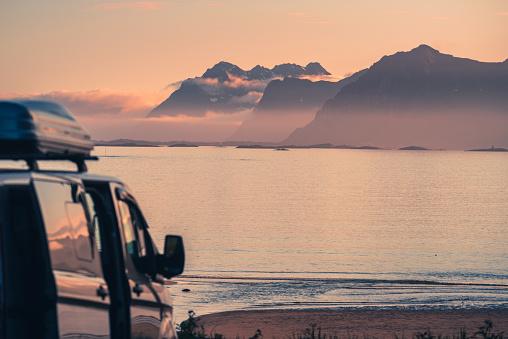 North Atlantic Ocean「van silhouette on the beach」:スマホ壁紙(19)