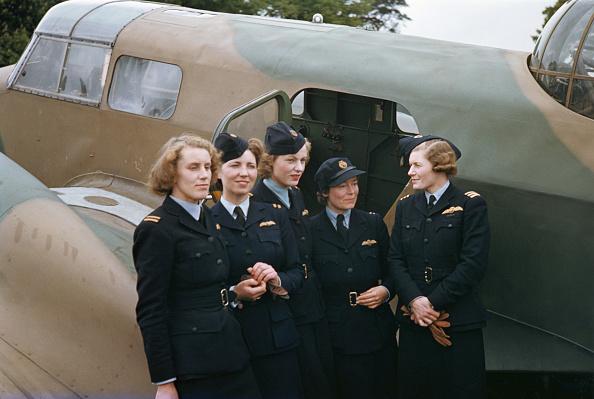 Females「ATA Pilots」:写真・画像(4)[壁紙.com]