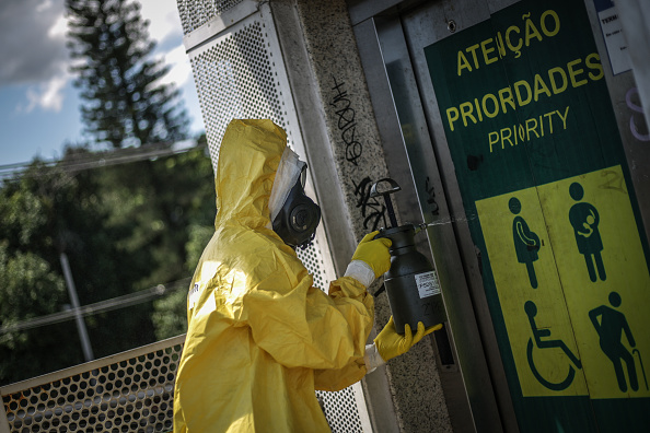 Brasilia「Disinfection Operations at Bus Rapid Transportation Stations Due to the Coronavirus Pandemic」:写真・画像(7)[壁紙.com]