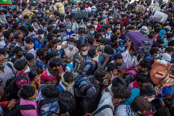 Crowd of People「India Imposes Nationwide Lockdown As The Coronavirus Continues To Spread」:写真・画像(19)[壁紙.com]