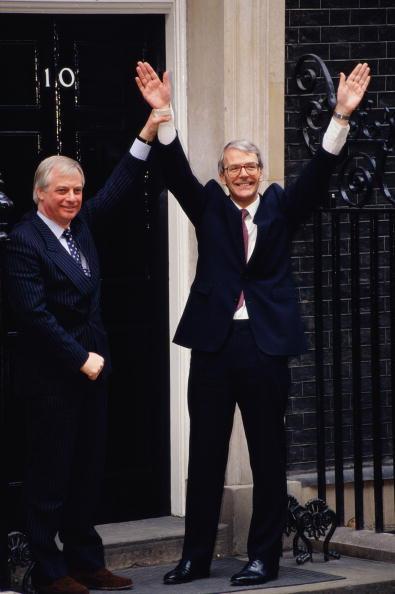 John Downing「New PM」:写真・画像(3)[壁紙.com]