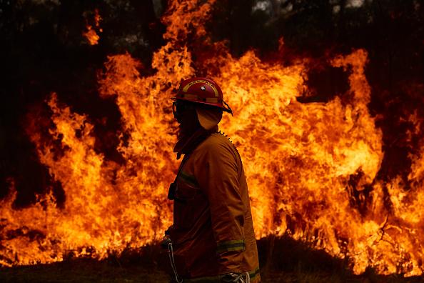 Australia「Firefighters Remain On High Alert As Bushfire Conditions Ease Across NSW」:写真・画像(1)[壁紙.com]