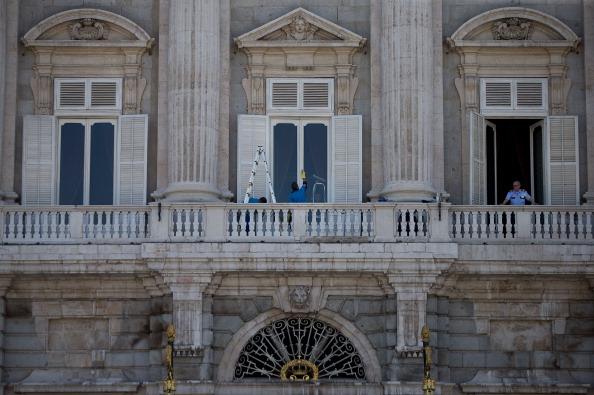 Architectural Feature「Preparations For Prince Felipe Coronation」:写真・画像(7)[壁紙.com]