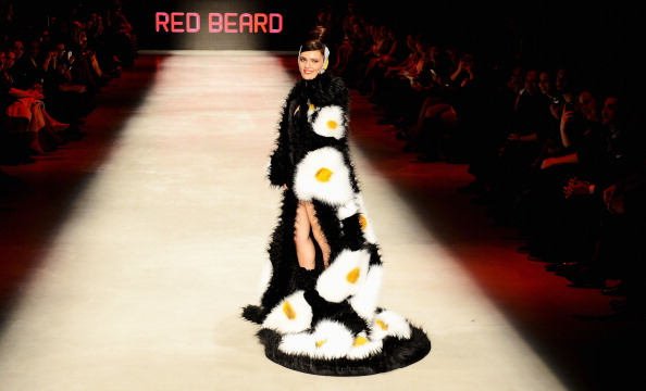 "Singer「""Red Beard"" - Runway - MBFWI F/W 2013」:写真・画像(2)[壁紙.com]"