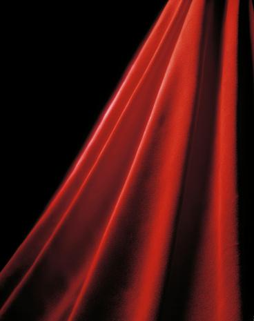 赤「輝く赤色のカーテン」:スマホ壁紙(7)