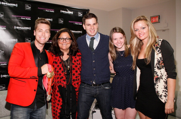 Saks Fifth Avenue「Fashion's Night Out At SAKS Fifth Avenue」:写真・画像(15)[壁紙.com]