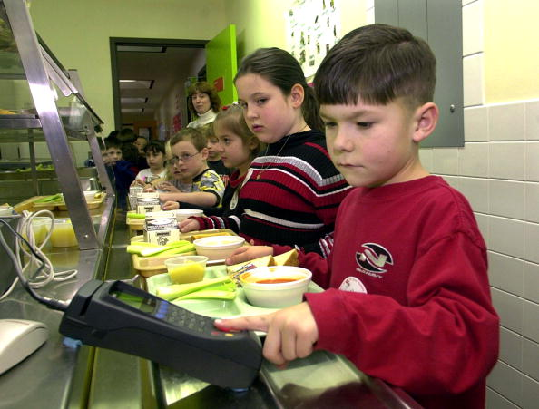 Paying「Students Using Fingerprints to Buy Lunch」:写真・画像(12)[壁紙.com]