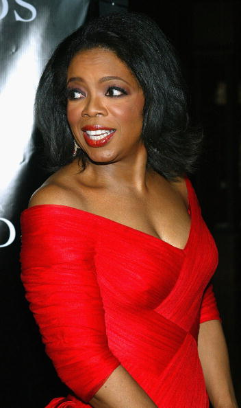 胸の谷間「Oprah Winfrey Host The Legends Ball」:写真・画像(16)[壁紙.com]