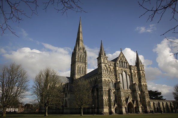 Salisbury Cathedral「Salisbury Cathedral Opens Exhibition To Commemorate the 800th Anniversary Of The Magna Carta」:写真・画像(2)[壁紙.com]
