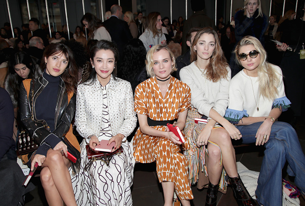 Li Bingbing「Tory Burch - Front Row - February 2017 - New York Fashion Week」:写真・画像(1)[壁紙.com]
