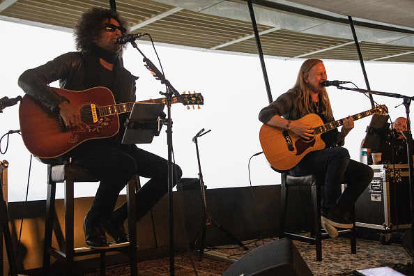 Lithium「Alice In Chains Performs For SiriusXM's Lithium Channel At The Space Needle In Seattle」:写真・画像(6)[壁紙.com]