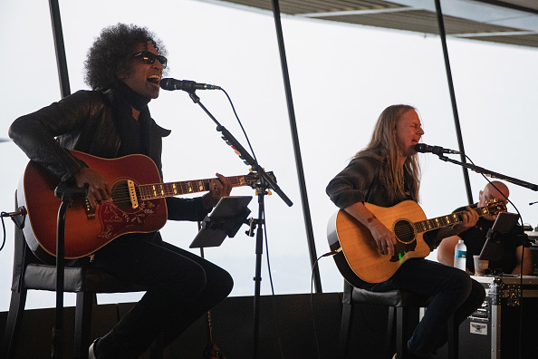 Lithium「Alice In Chains Performs For SiriusXM's Lithium Channel At The Space Needle In Seattle」:写真・画像(4)[壁紙.com]