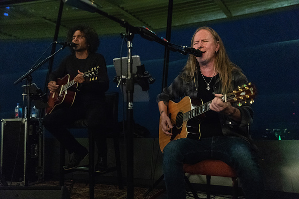 Lithium「Alice In Chains Performs For SiriusXM's Lithium Channel At The Space Needle In Seattle」:写真・画像(7)[壁紙.com]