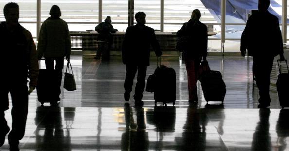 Arrival「Holiday Travelers Begin Thanksgiving Exodus」:写真・画像(13)[壁紙.com]
