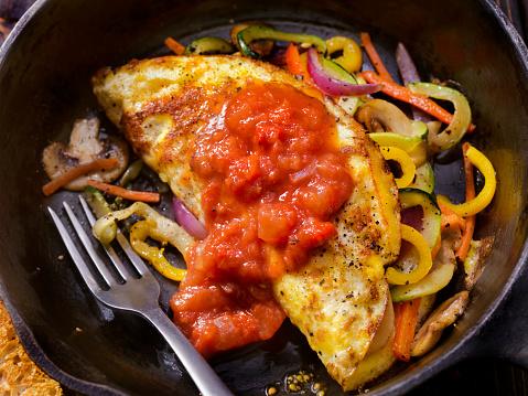 Cast Iron「Stir Fried Veggie Omelet with Salsa」:スマホ壁紙(0)