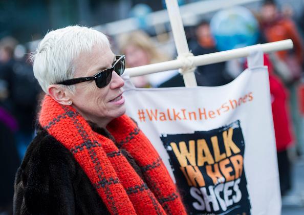 Eamonn M「Annie Lennox, Bianca Jagger, Helen Pankhurst Take Part In 'Walk In Her Shoes'」:写真・画像(17)[壁紙.com]